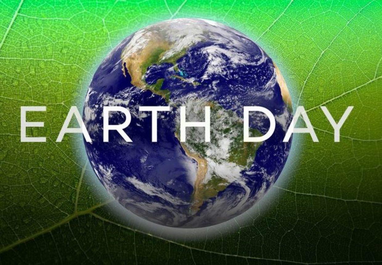 Il mondo chiuso in casa ha celebrato il pianeta