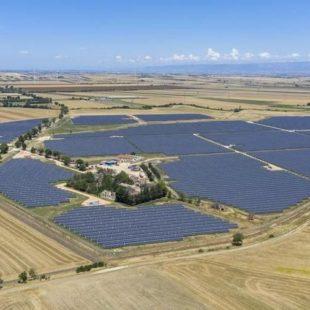 Collegato alla rete il più grande parco fotovoltaico d'Italia