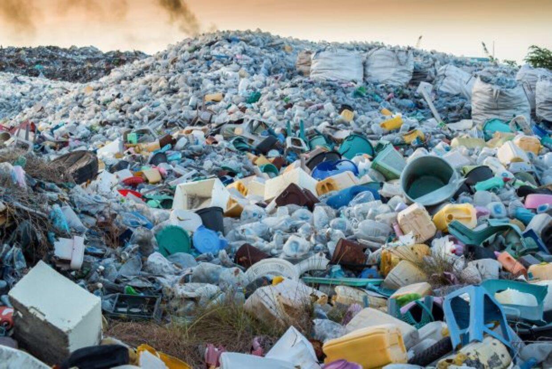 Venti aziende producono il 55% dei rifiuti di plastica nel mondo
